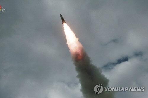 """합참 """"북한, 평남서 동쪽으로 미상발사체 2회 발사"""""""